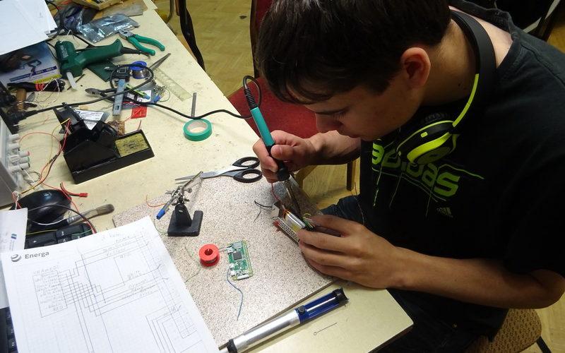 Praca nad elektroniką